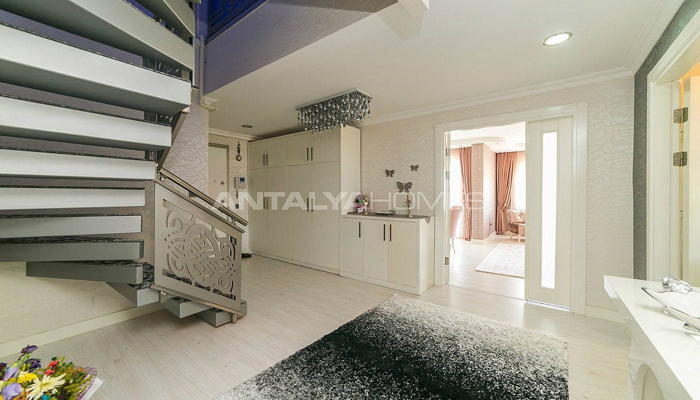 5-1-roof-duplex-apartment-in-konyaalti-with-2-kitchens-interior-018.jpg