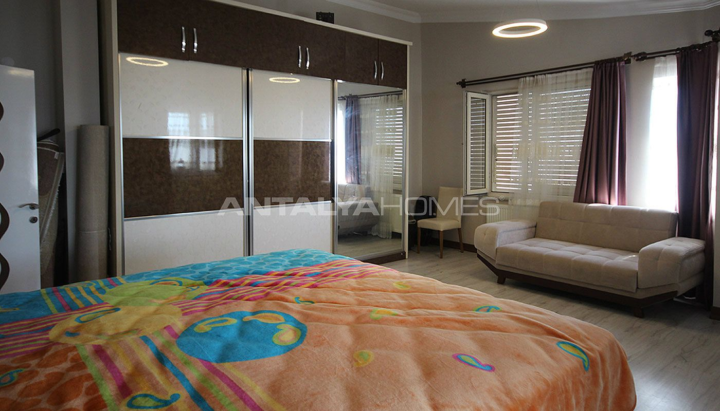 5-1-spacious-apartment-in-lara-antalya-with-2-kitchen-009.jpg