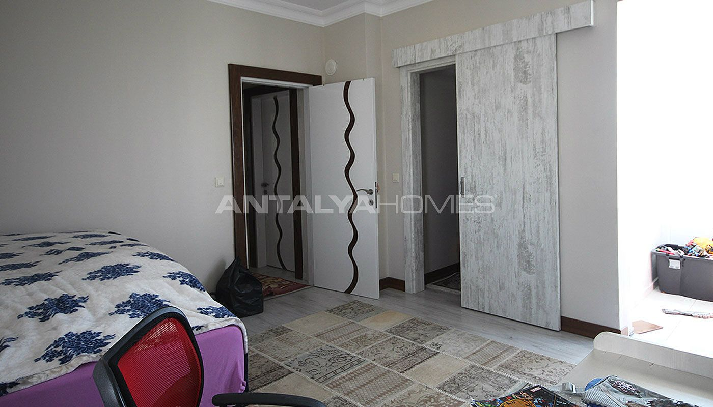 5-1-spacious-apartment-in-lara-antalya-with-2-kitchen-012.jpg