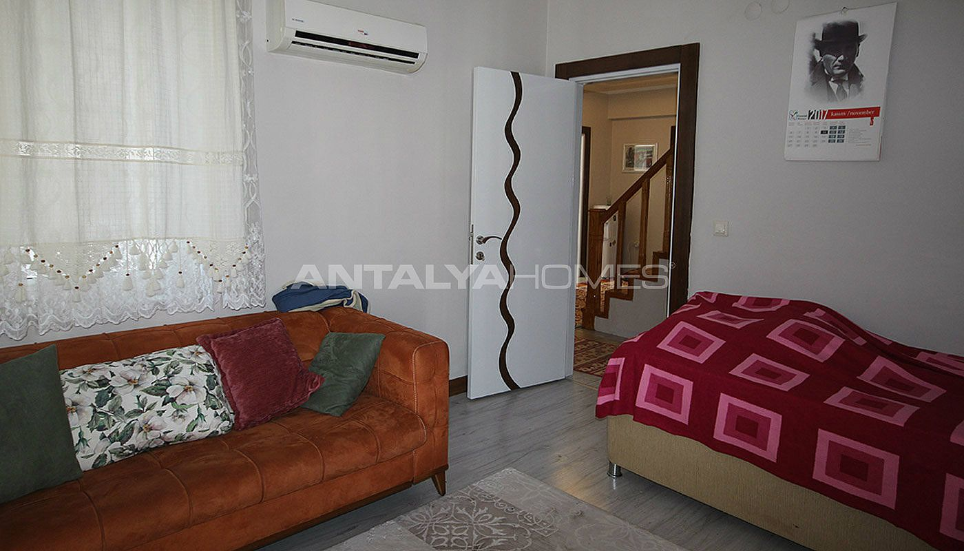 5-1-spacious-apartment-in-lara-antalya-with-2-kitchen-013.jpg
