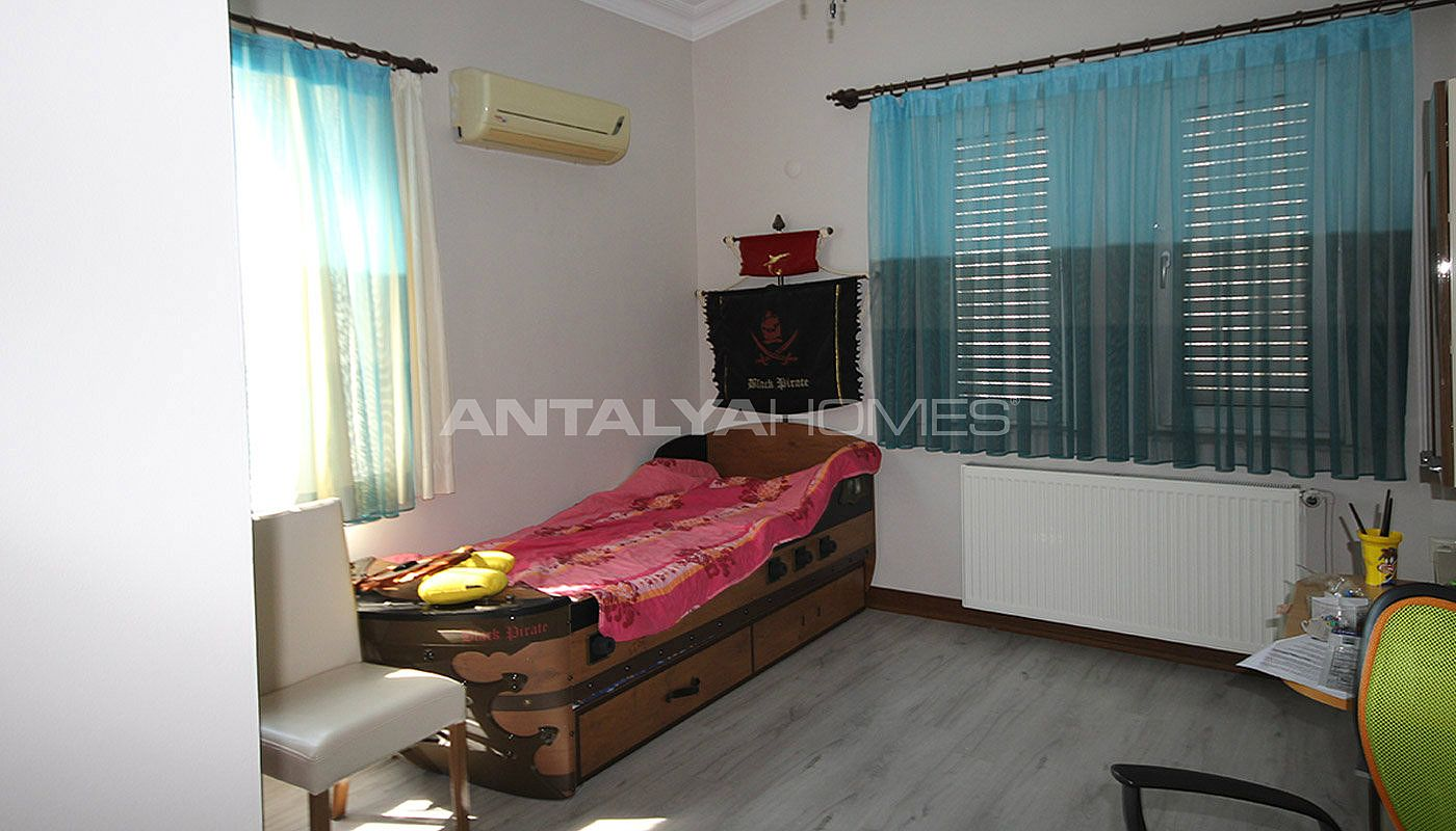 5-1-spacious-apartment-in-lara-antalya-with-2-kitchen-015.jpg