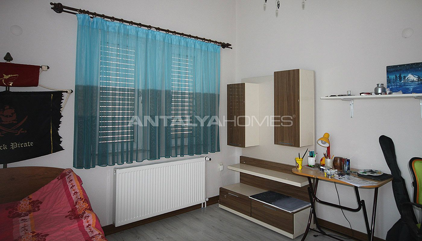 5-1-spacious-apartment-in-lara-antalya-with-2-kitchen-016.jpg