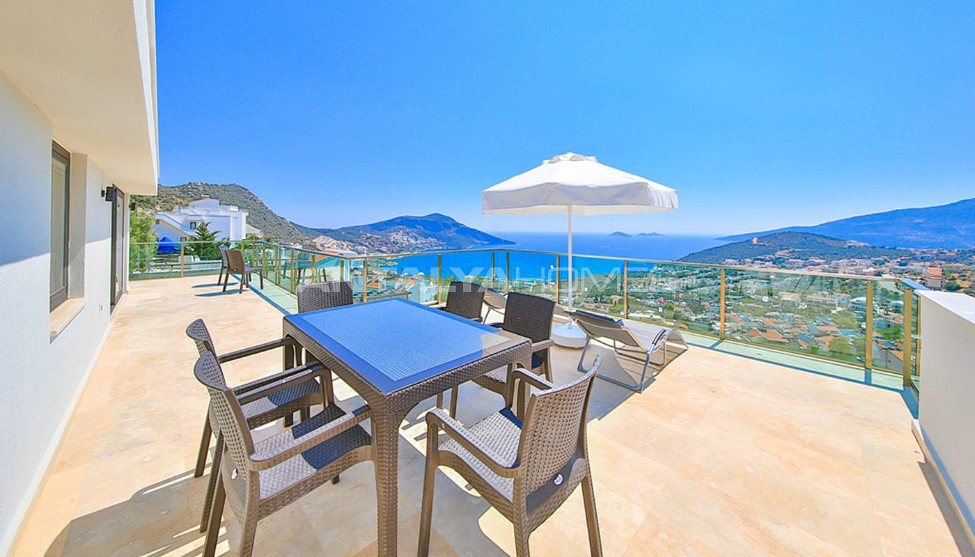 fully-furnished-villa-with-2-swimming-pools-in-kalkan-011.jpg