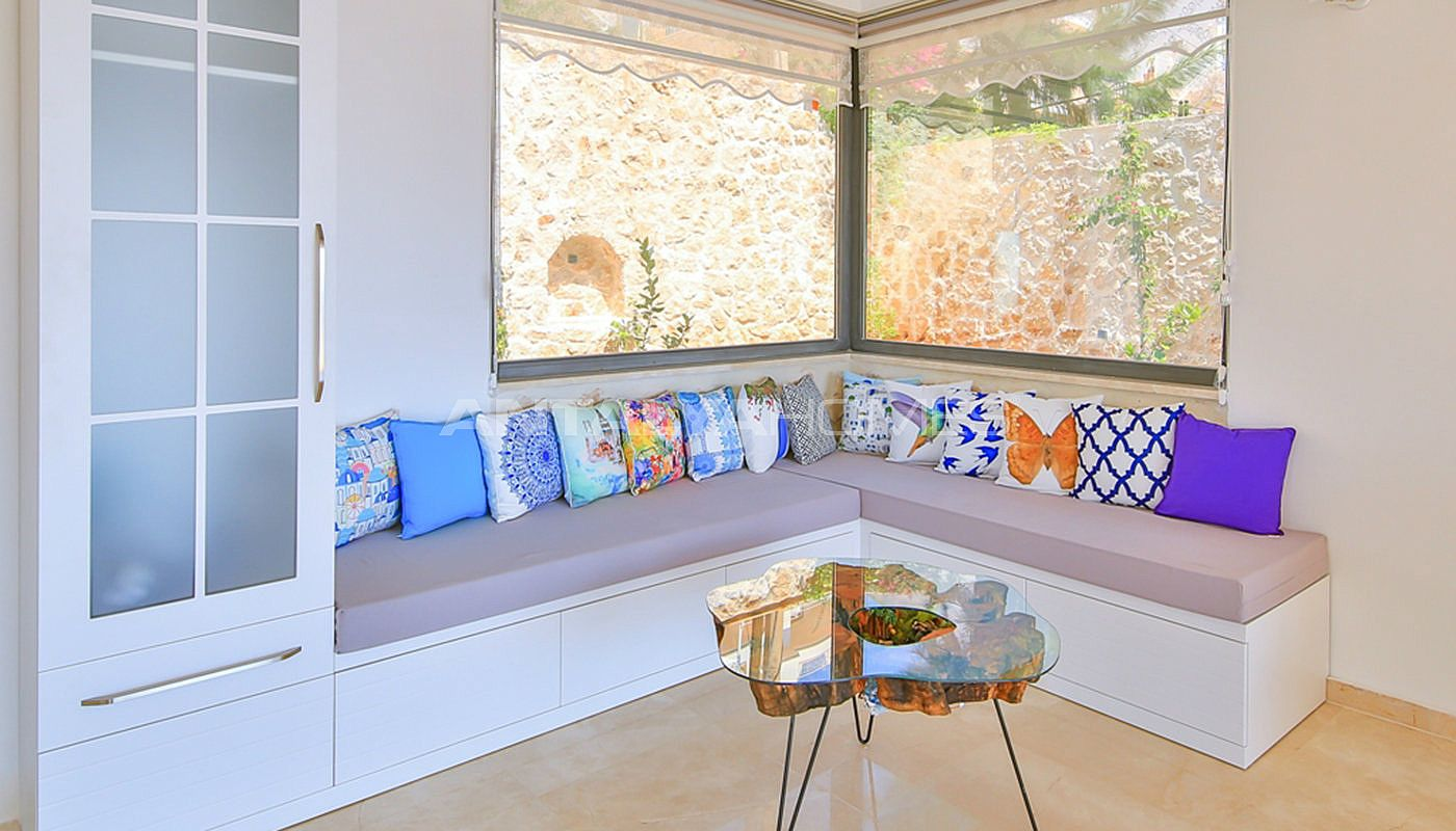 fully-furnished-villa-with-2-swimming-pools-in-kalkan-interior-007.jpg