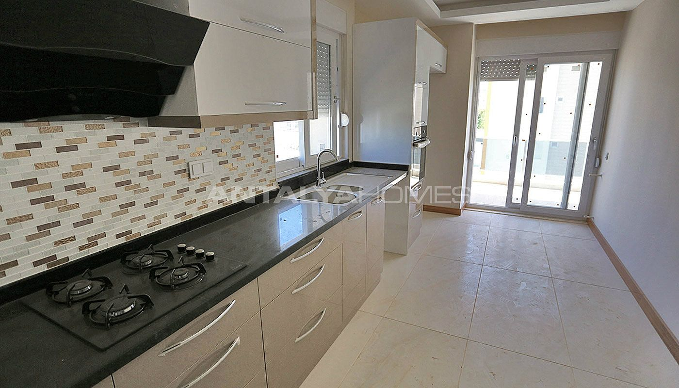 key-ready-antalya-apartments-in-kepez-with-separate-kitchen-interior-006.jpg