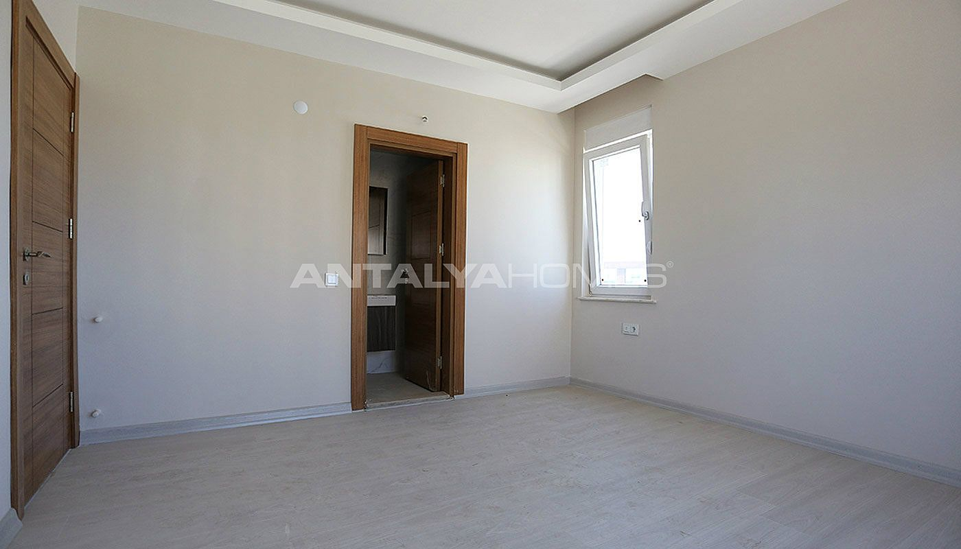 key-ready-antalya-apartments-in-kepez-with-separate-kitchen-interior-008.jpg