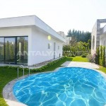 luxury-private-villa-in-gundogan-with-garden-and-pool-003.jpg
