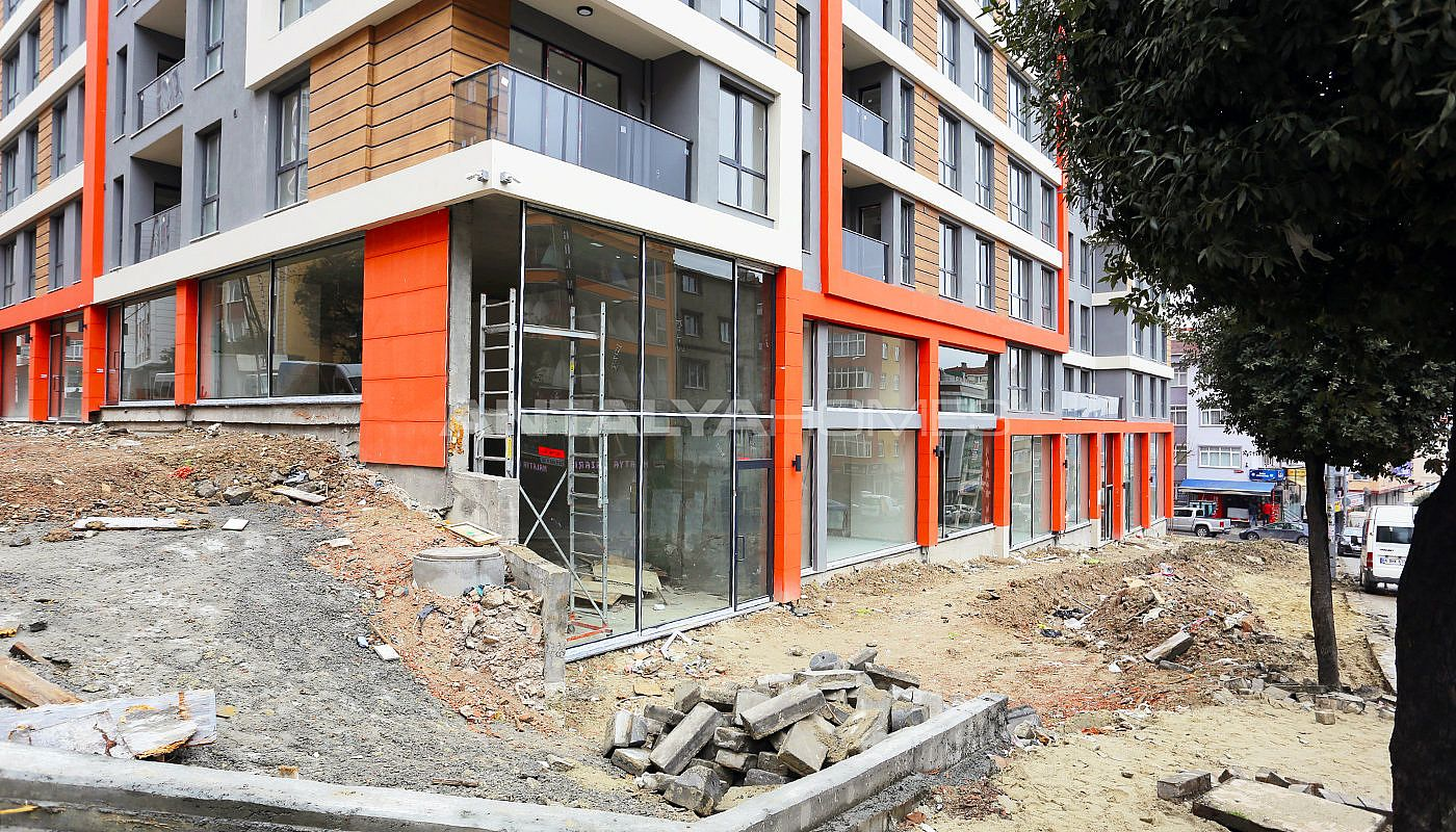 modern-designed-apartments-in-istanbul-kucukcekmece-construction-001.jpg
