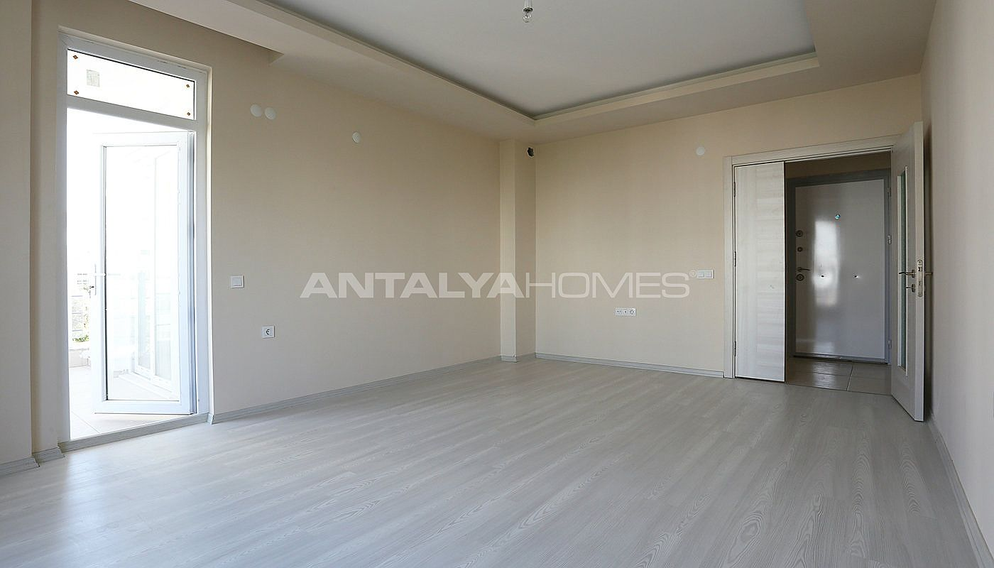ready-2-bedroom-apartments-close-to-antalya-city-center-interior-003.jpg