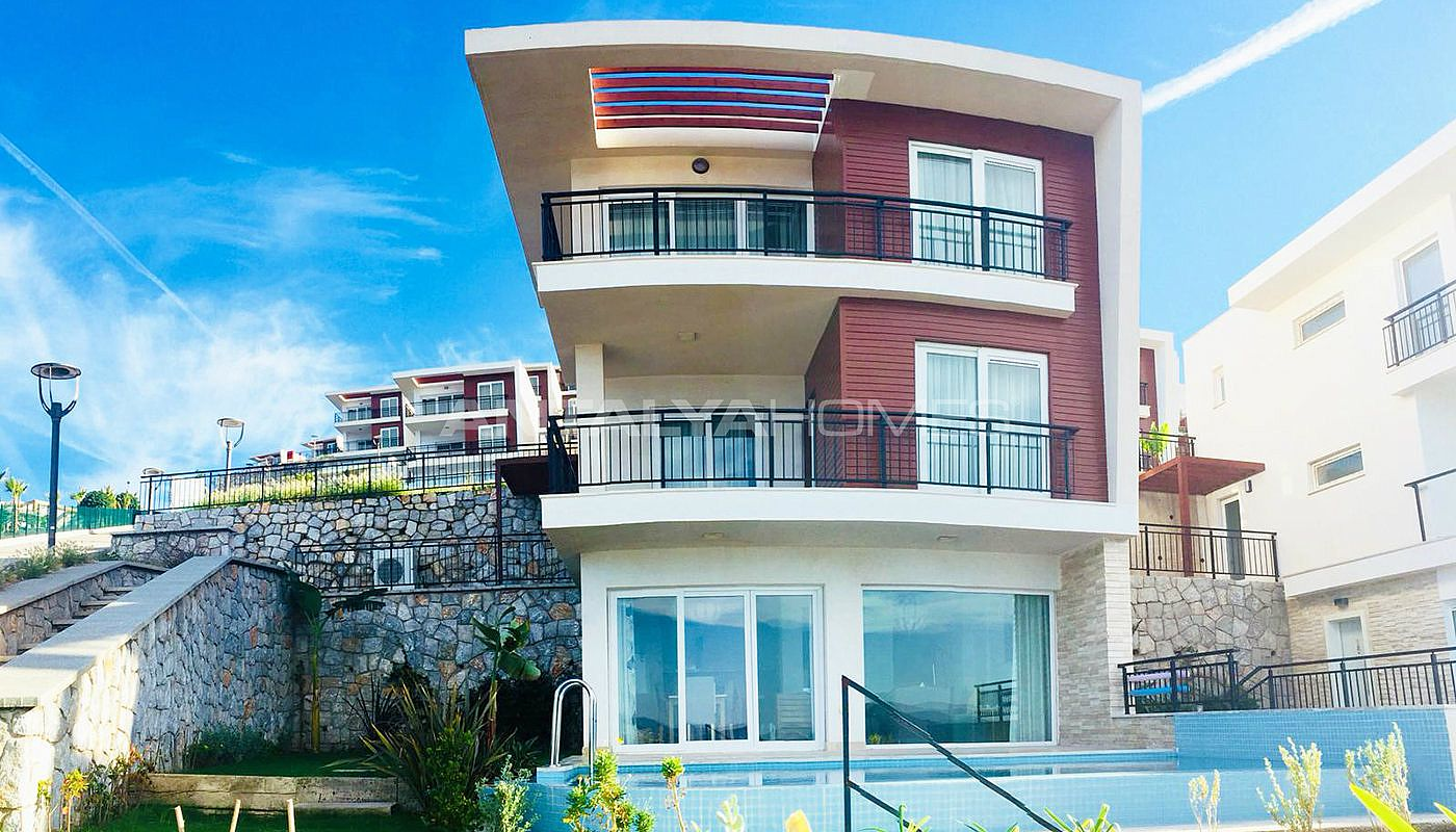 sea-front-villas-with-private-pool-in-bodrum-002.jpg