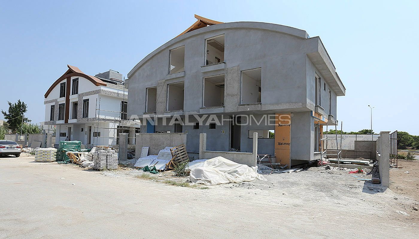 semi-detached-antalya-villas-with-private-swimming-pool-construction-002.jpg
