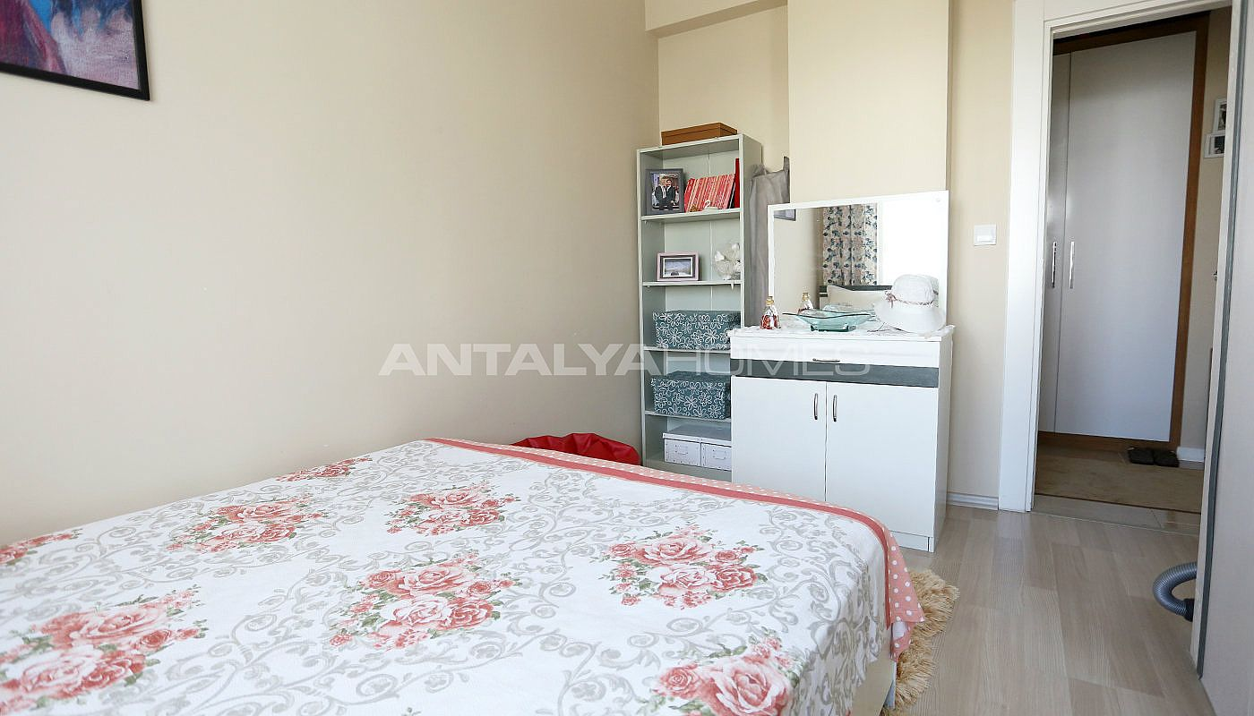spacious-2-1-apartment-in-antalya-konyaalti-with-2-bathrooms-interior-009.jpg
