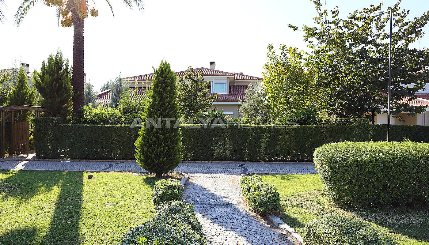spacious-houses-with-rich-facilities-in-antalya-016.jpg