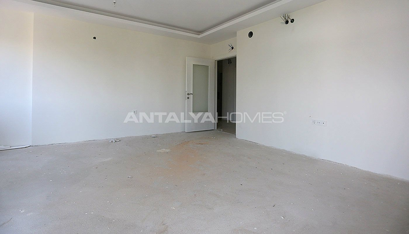 2-bedroom-antalya-properties-with-separate-kitchen-interior-004.jpg