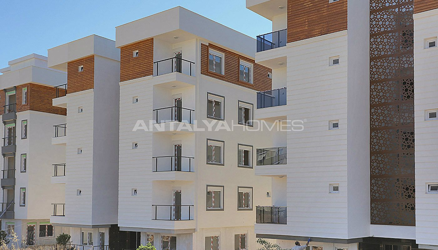 centrally-located-antalya-apartments-with-separate-kitchen-003.jpg