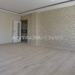 centrally-located-antalya-apartments-with-separate-kitchen-interior-001.jpg