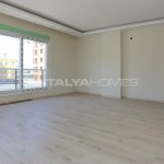 centrally-located-antalya-apartments-with-separate-kitchen-interior-003.jpg