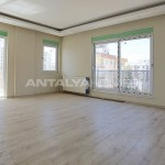 centrally-located-antalya-apartments-with-separate-kitchen-interior-004.jpg