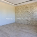 centrally-located-antalya-apartments-with-separate-kitchen-interior-010.jpg