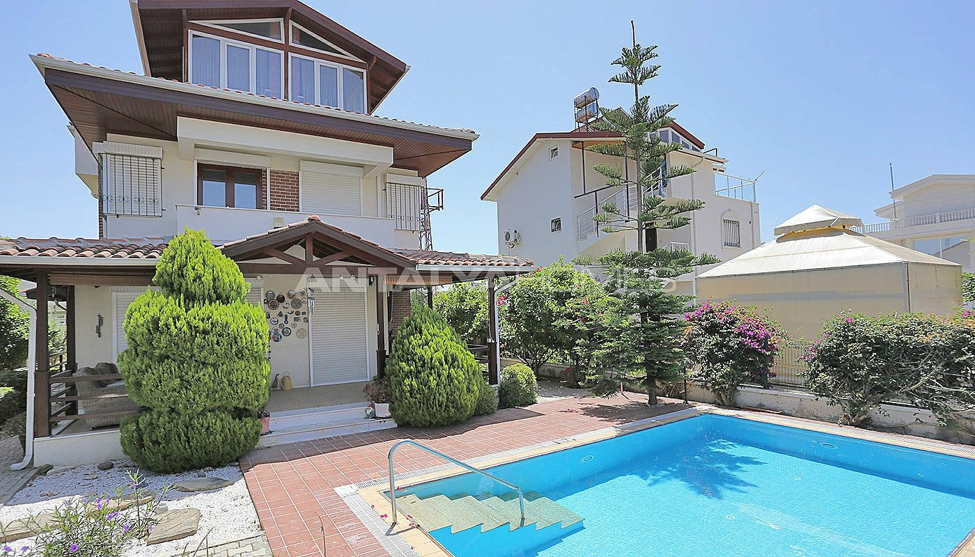 fully-furnished-belek-villa-with-private-pool-and-garden-001.jpg