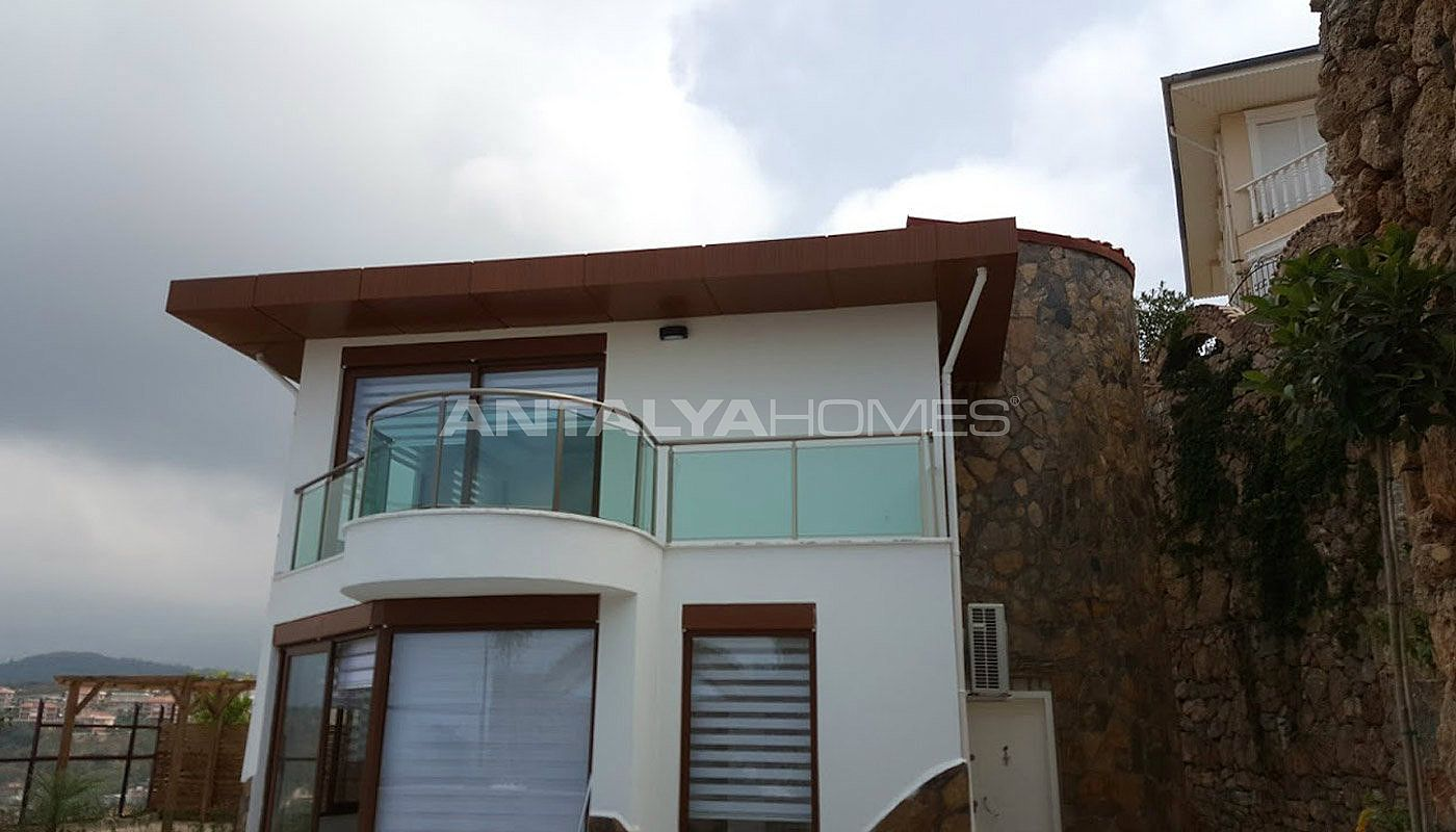 fully-furnished-villa-overlooking-alanya-castle-and-sea-008.jpg