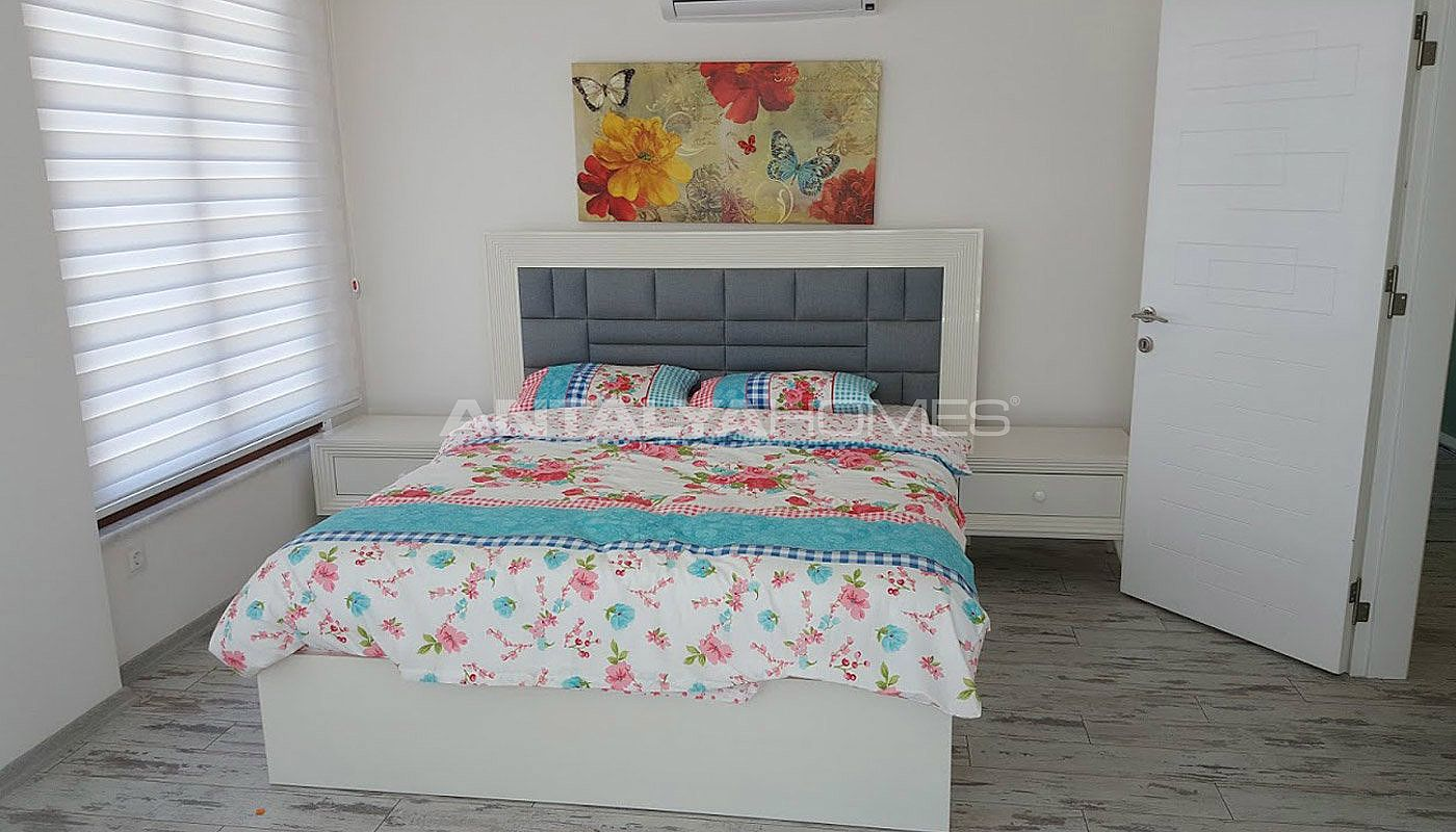 fully-furnished-villa-overlooking-alanya-castle-and-sea-interior-006.jpg