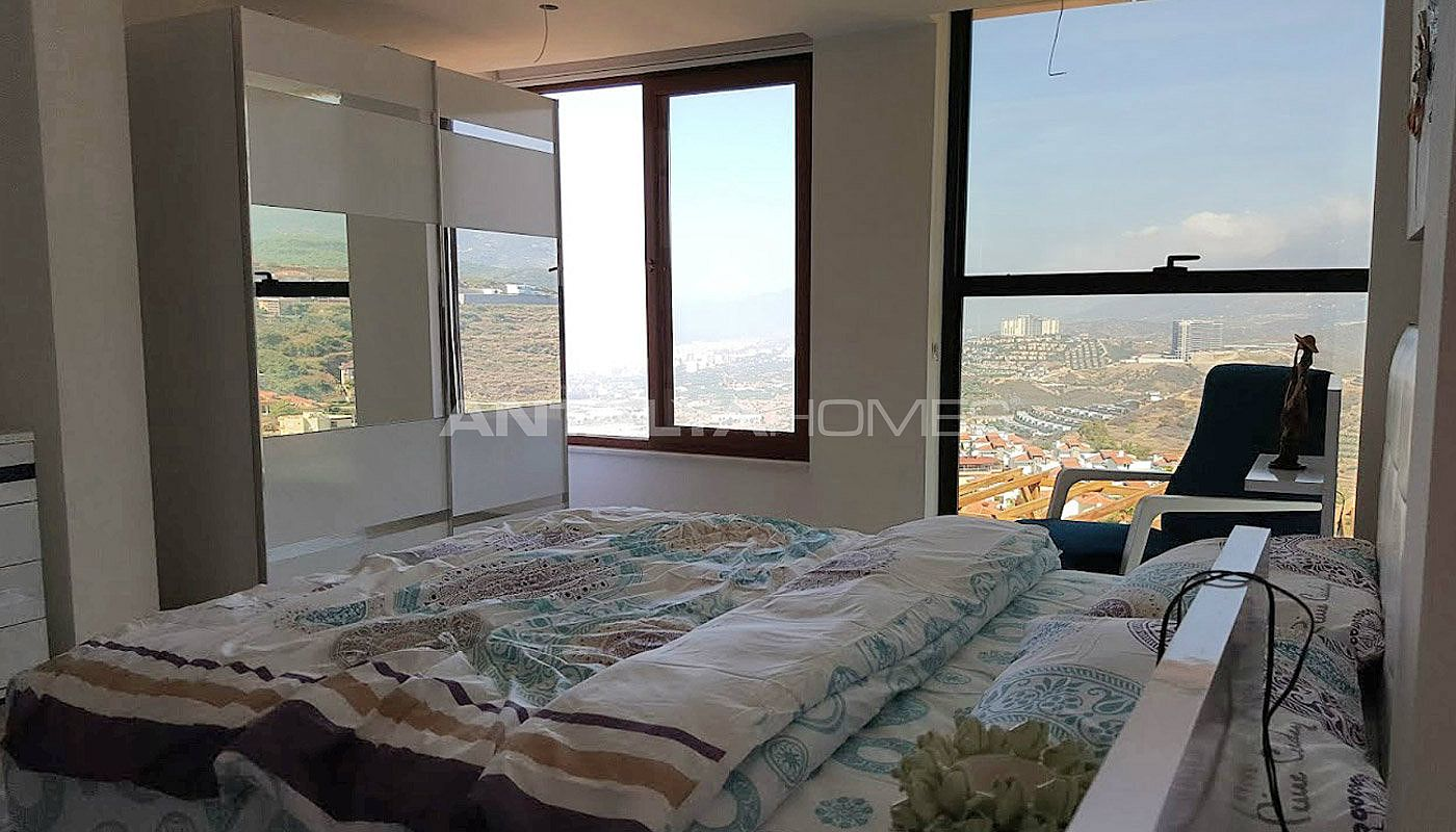 fully-furnished-villa-overlooking-alanya-castle-and-sea-interior-012.jpg