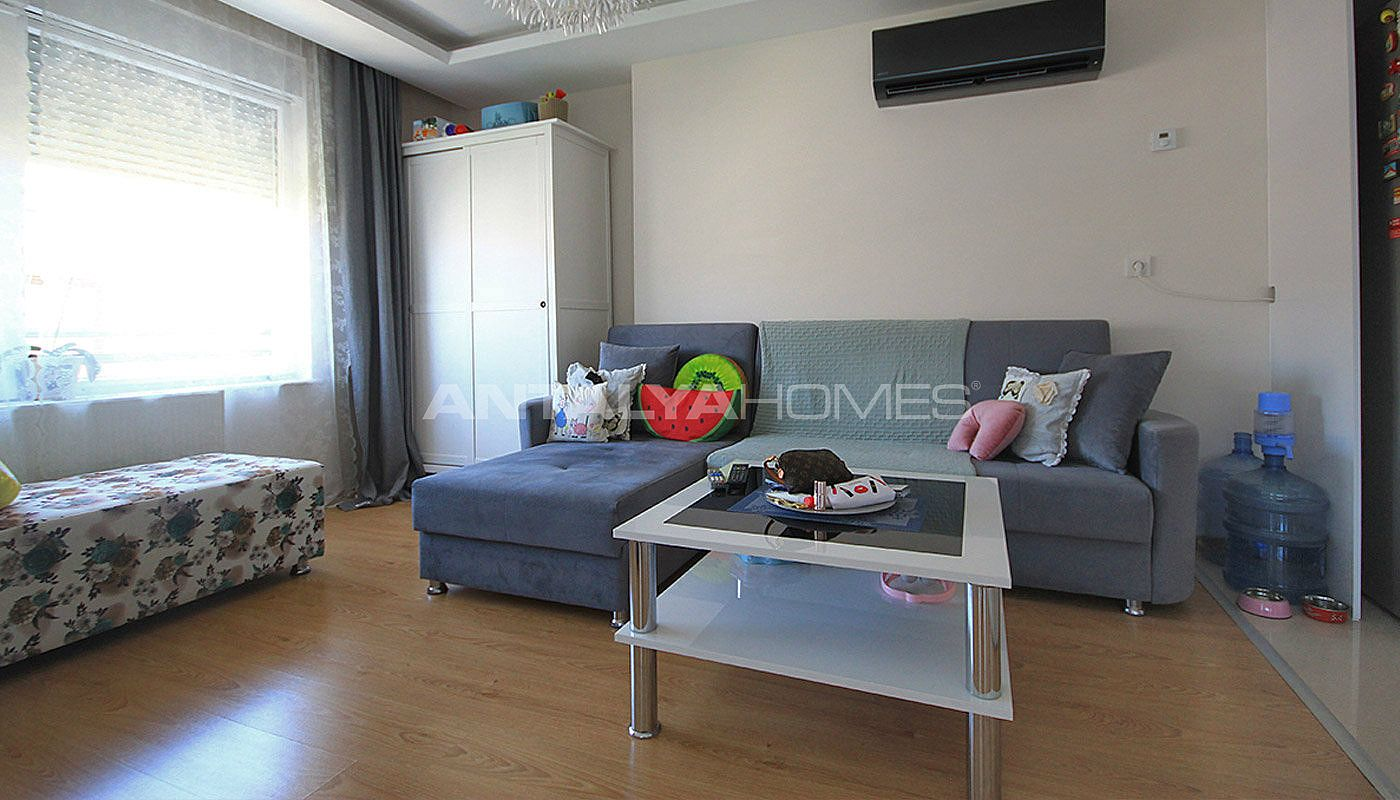furnished-apartment-close-to-the-sea-in-antalya-konyaalti-interior-001.jpg