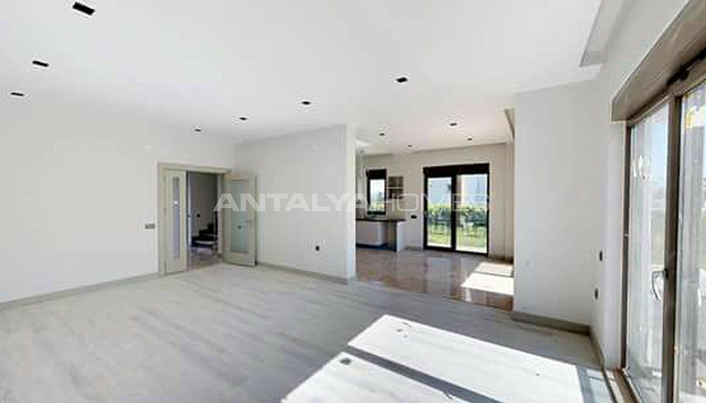 high-tech-detached-villas-in-the-huge-complex-in-antalya-interior-001.jpg