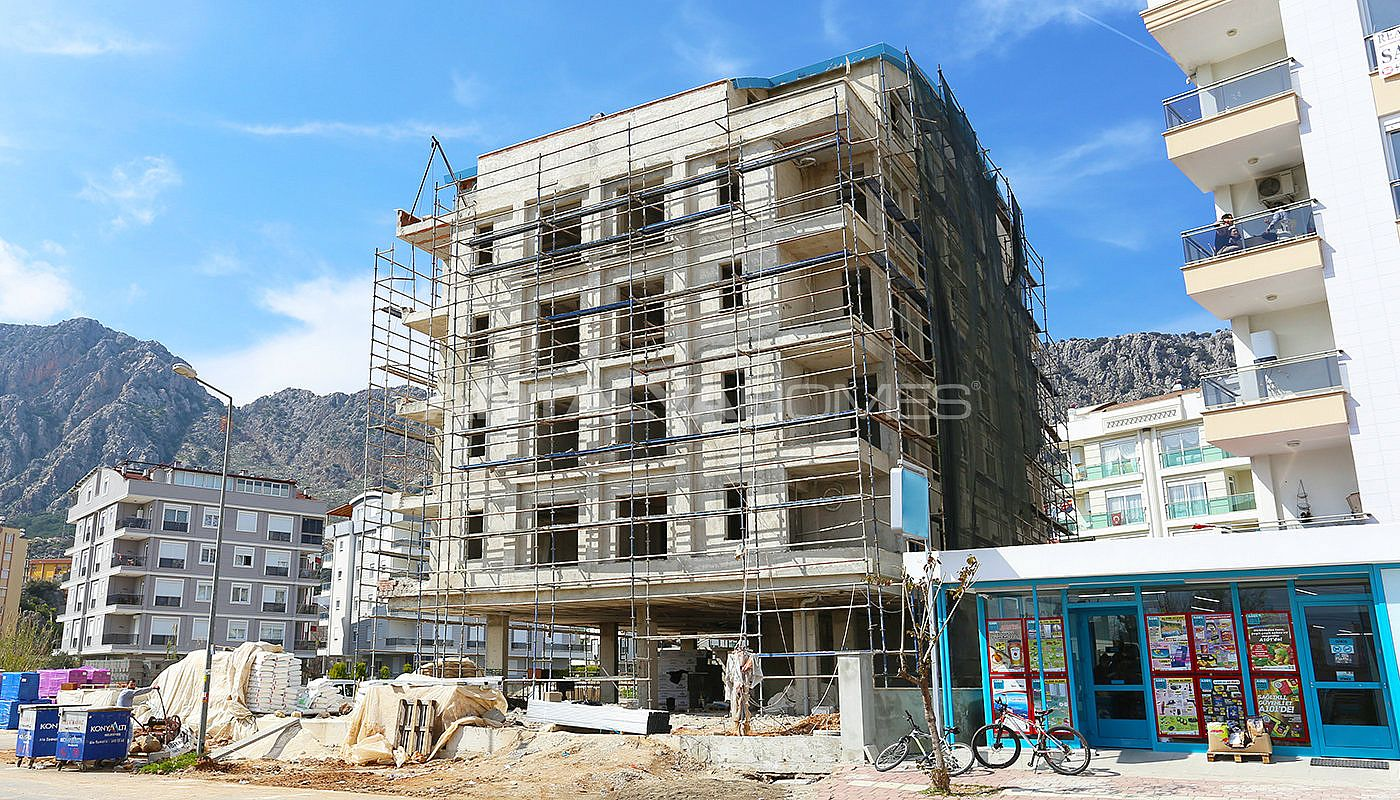 modern-real-estate-with-swimming-pool-in-antalya-construction-003.jpg