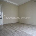 ready-to-move-modern-konyaatli-apartment-with-blinds-interior-007.jpg