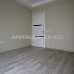 ready-to-move-modern-konyaatli-apartment-with-blinds-interior-008.jpg