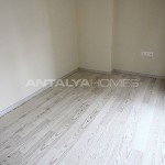 ready-to-move-modern-konyaatli-apartment-with-blinds-interior-010.jpg