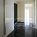 ready-to-move-modern-konyaatli-apartment-with-blinds-interior-017.jpg