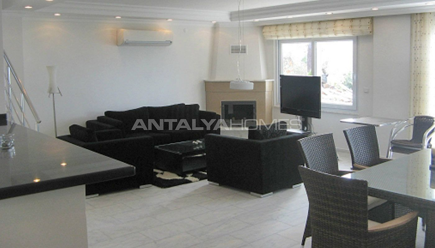 sea-view-5-1-villa-in-alanya-with-rich-features-interior-001.jpg