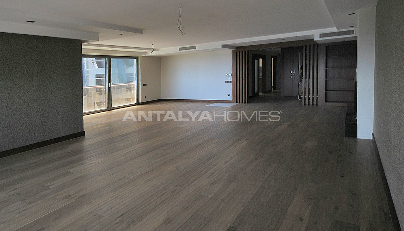 seafront-antalya-apartment-with-smart-home-system-interior-004.jpg
