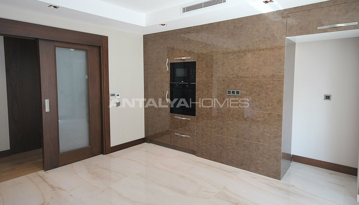 seafront-antalya-apartment-with-smart-home-system-interior-007.jpg