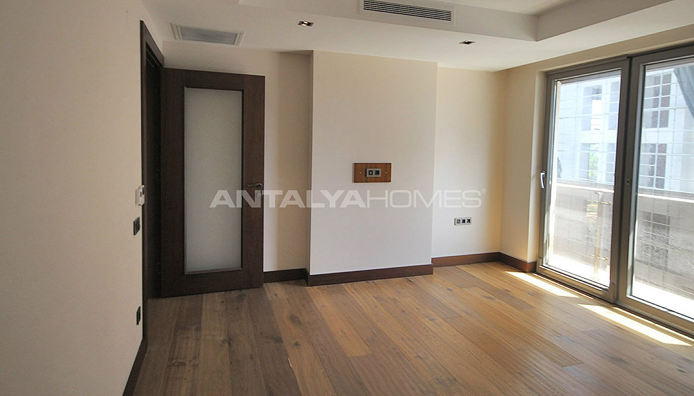 seafront-antalya-apartment-with-smart-home-system-interior-012.jpg
