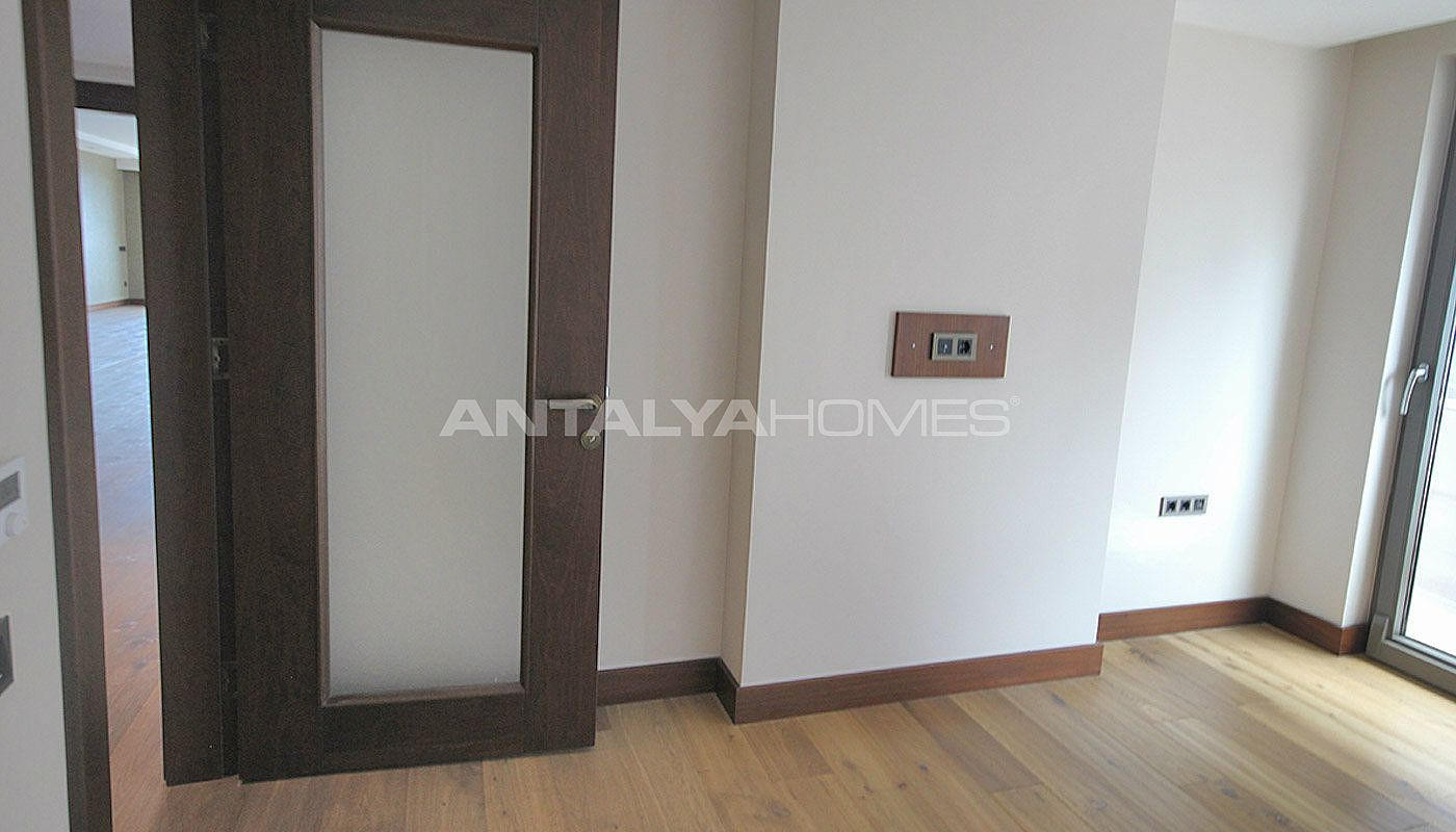 seafront-antalya-apartment-with-smart-home-system-interior-015.jpg