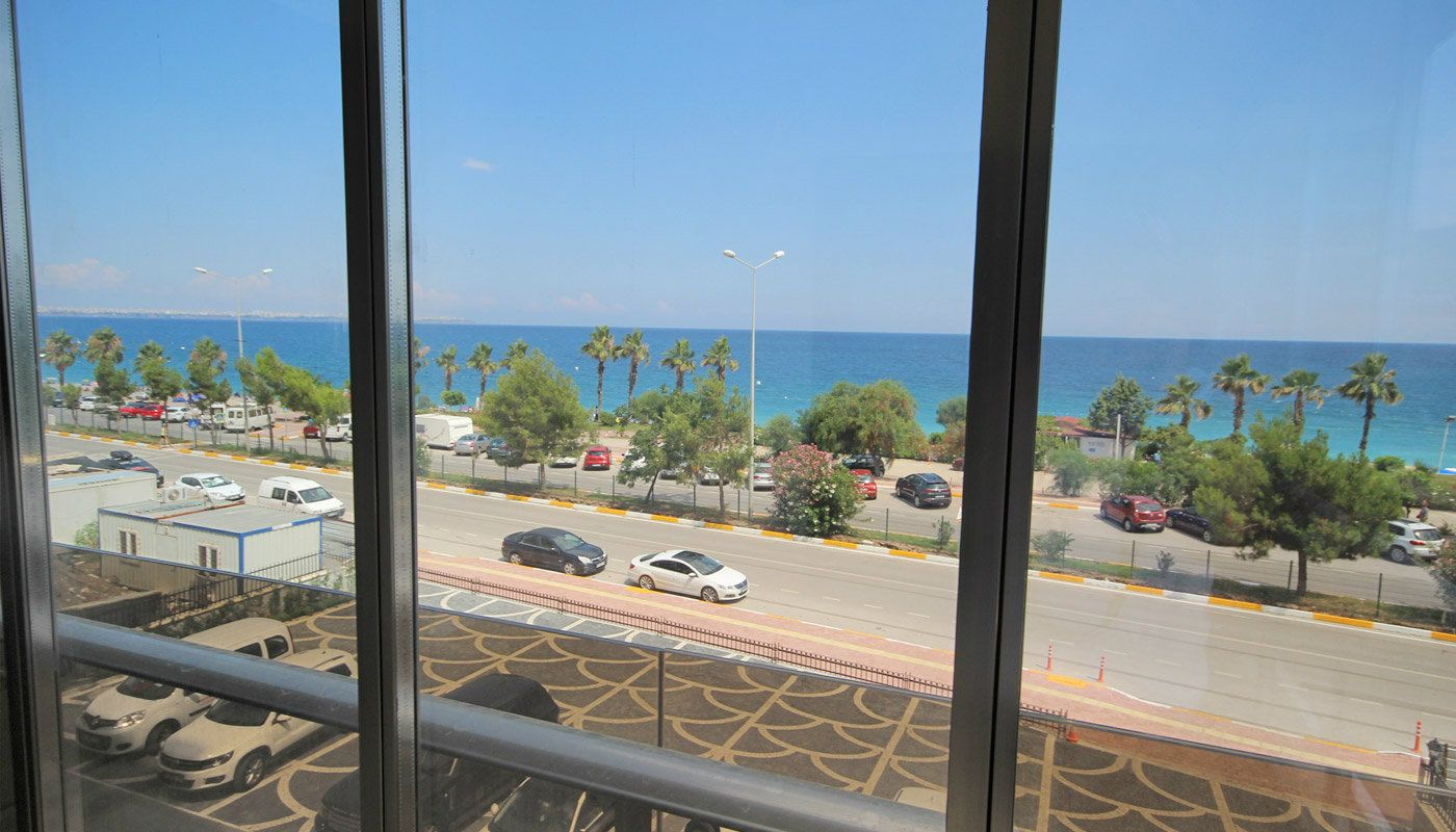 seafront-antalya-apartment-with-smart-home-system-main.jpg