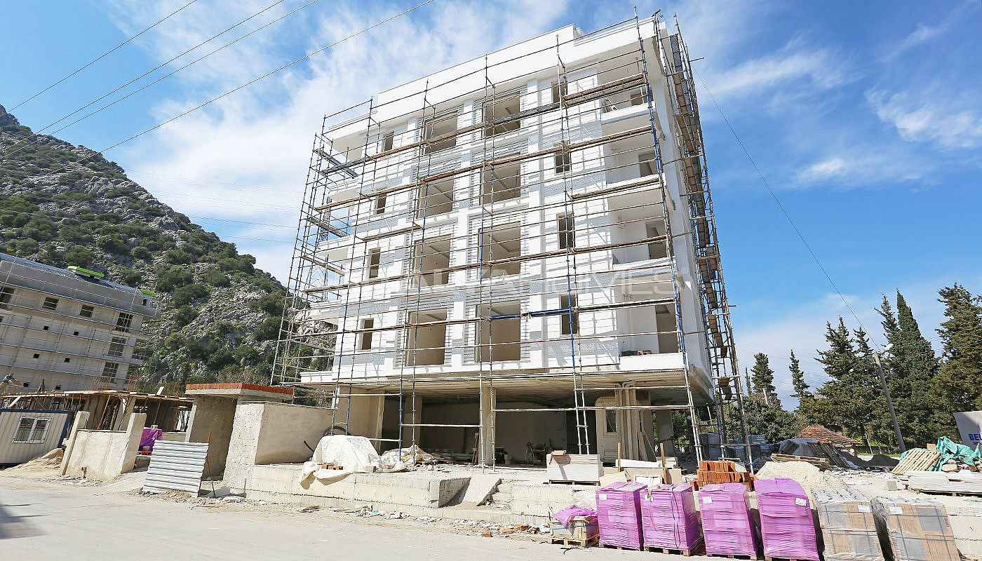 well-positioned-cozy-apartments-in-antalya-turkey-construction-002.jpg