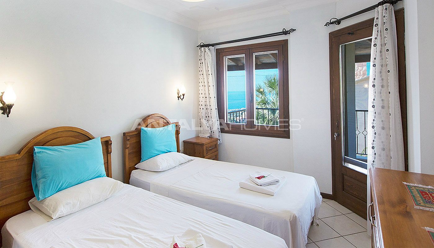3-bedroom-private-house-in-kalkan-turkey-interior-007.jpg