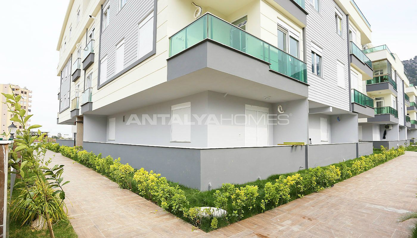 exquisite-konyaalti-apartments-with-modern-architecture-004.jpg