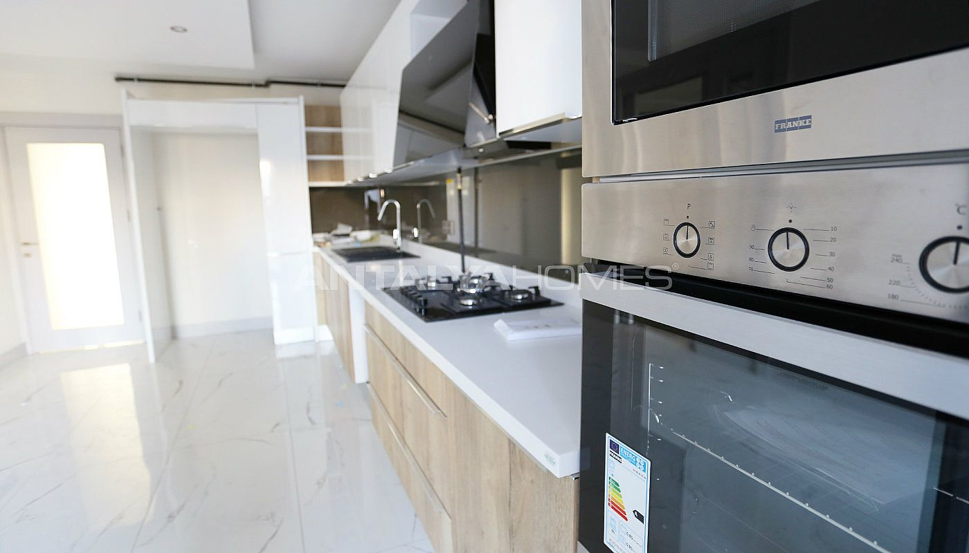 high-class-property-with-separate-kitchen-in-antalya-interior-006.jpg