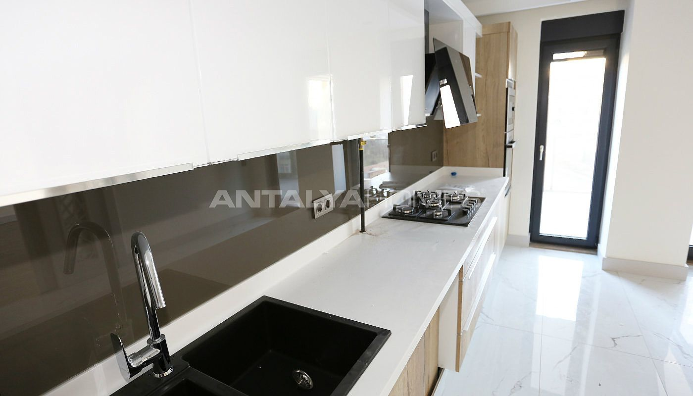 high-class-property-with-separate-kitchen-in-antalya-interior-007.jpg
