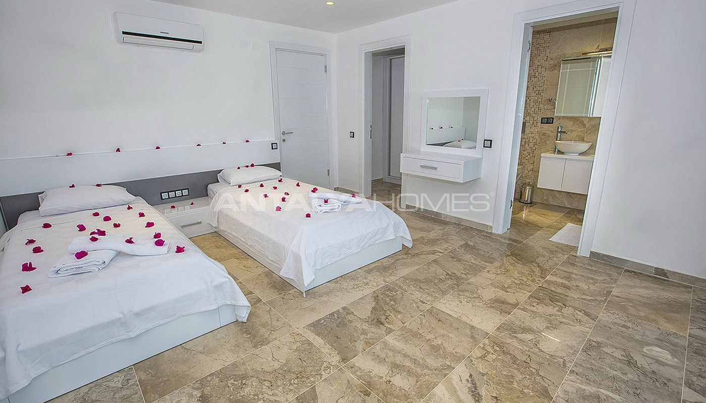ready-kalkan-villa-designed-with-eye-catching-architecture-interior-14.jpg