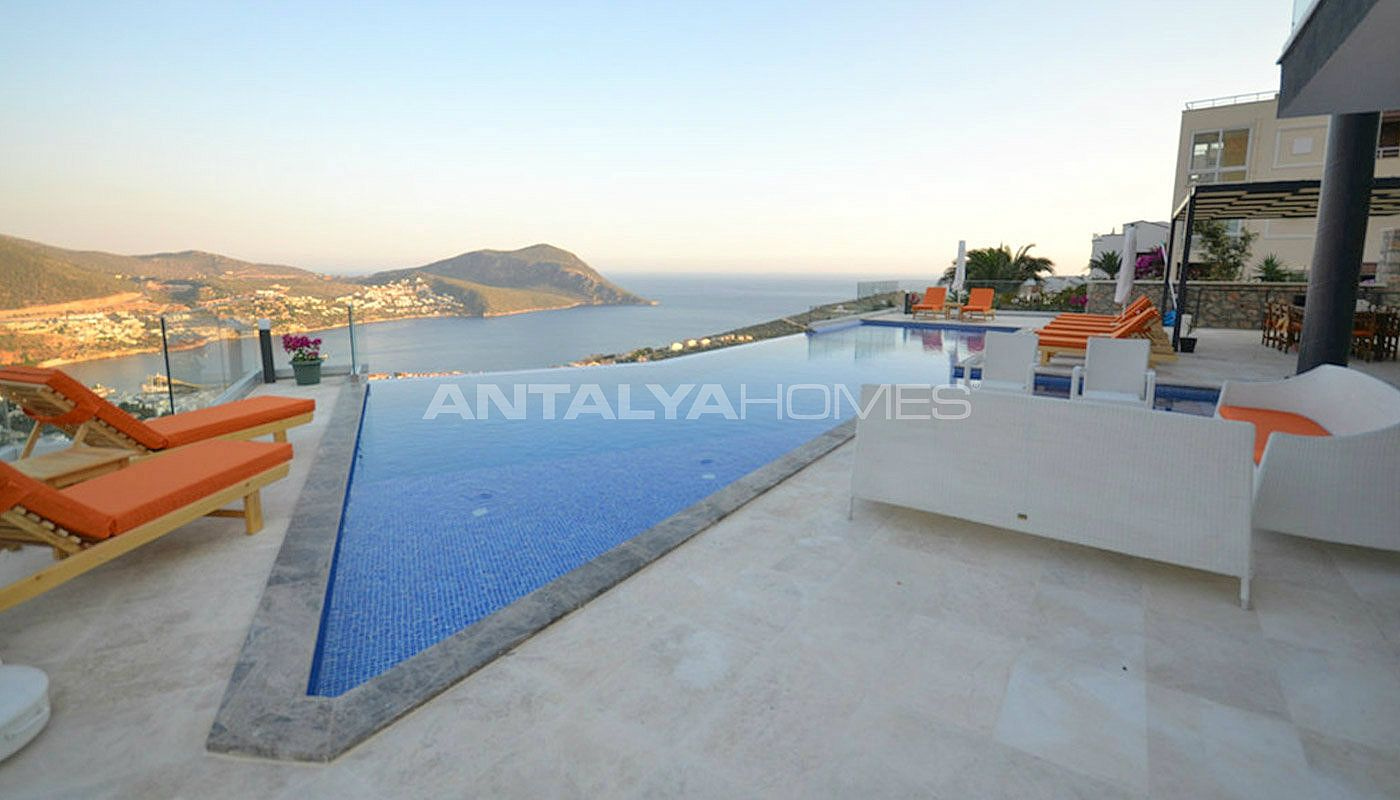 sea-view-villa-in-kalkan-with-contemporary-furniture-02.jpg