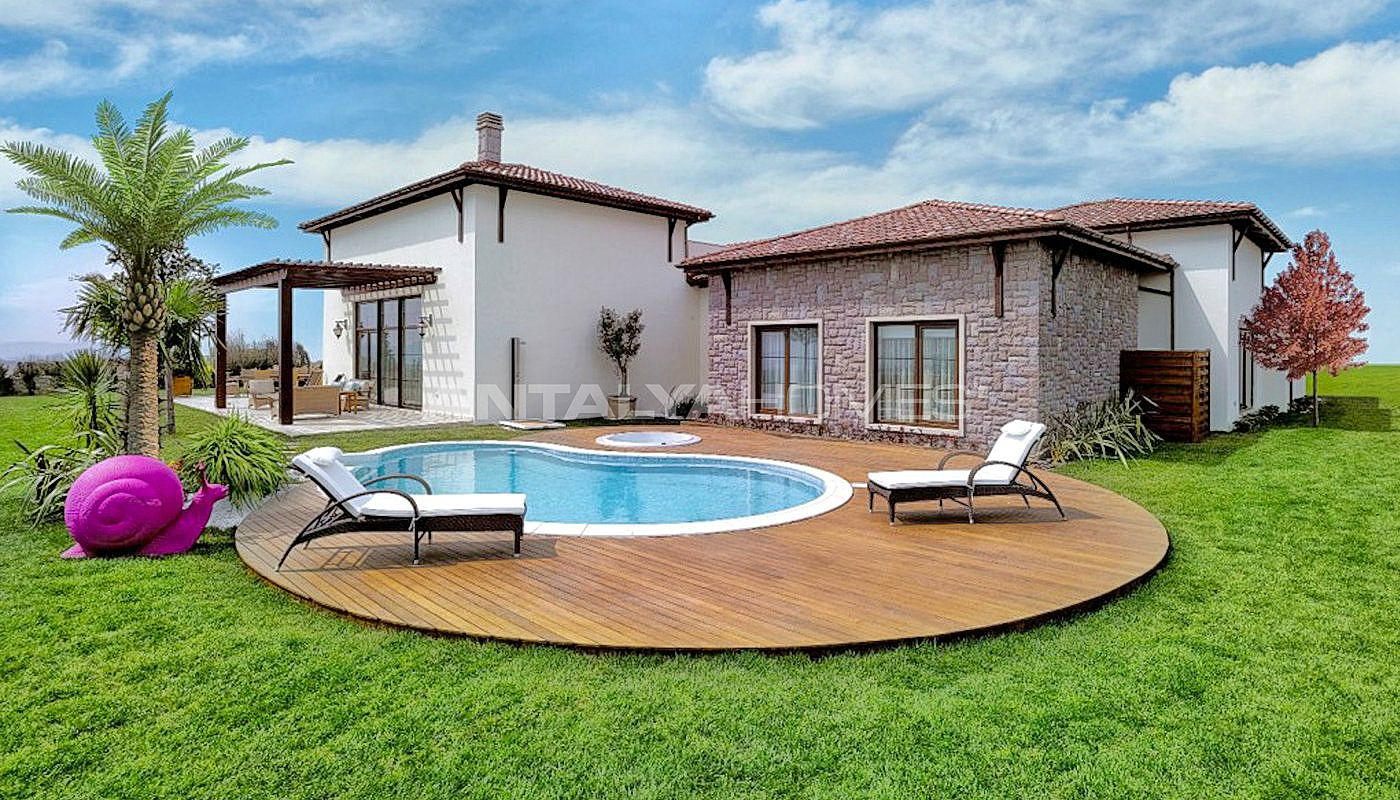 authentic-detached-villas-in-istanbul-with-private-pool-001.jpg