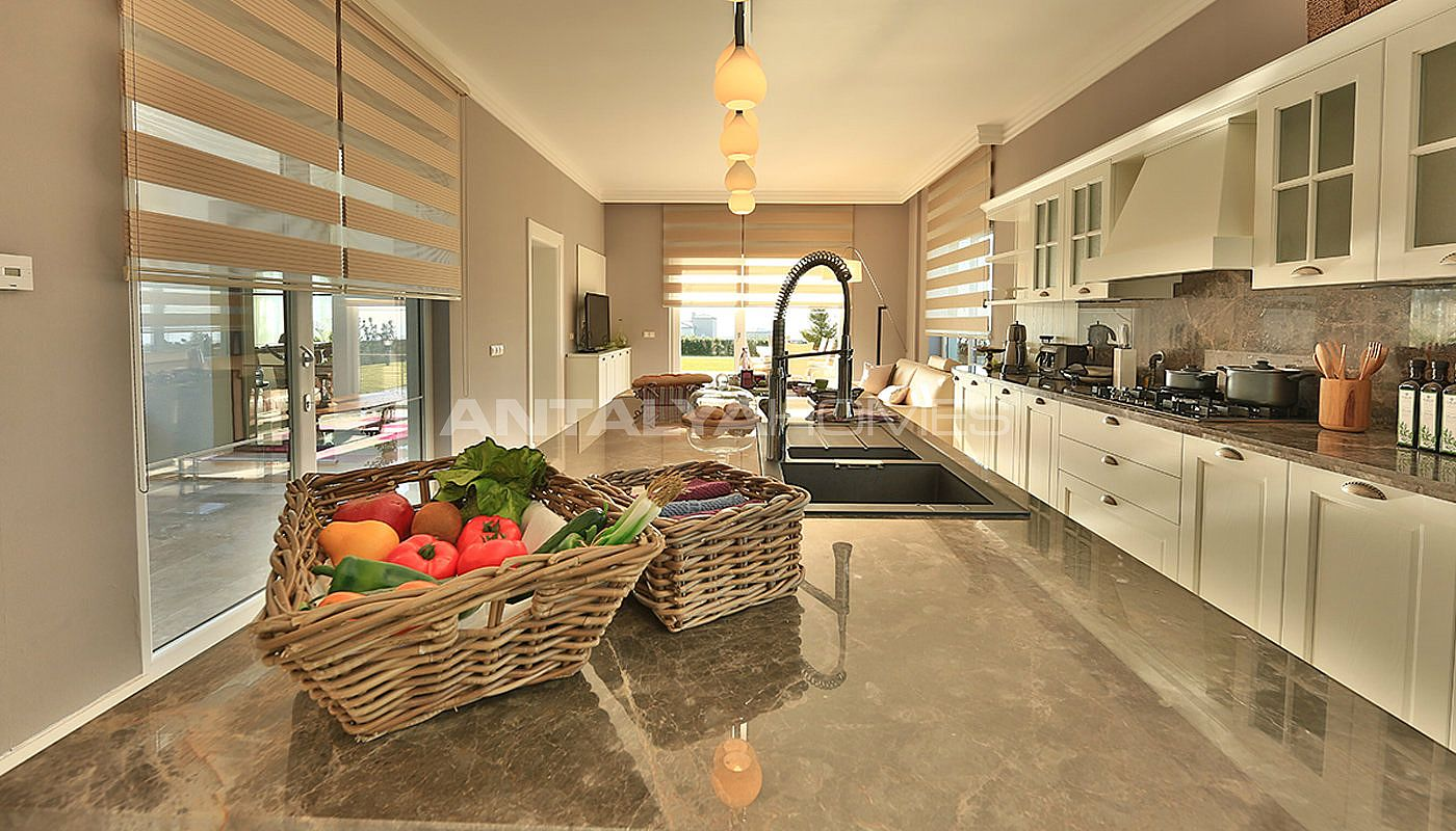 authentic-detached-villas-in-istanbul-with-private-pool-interior-005.jpg