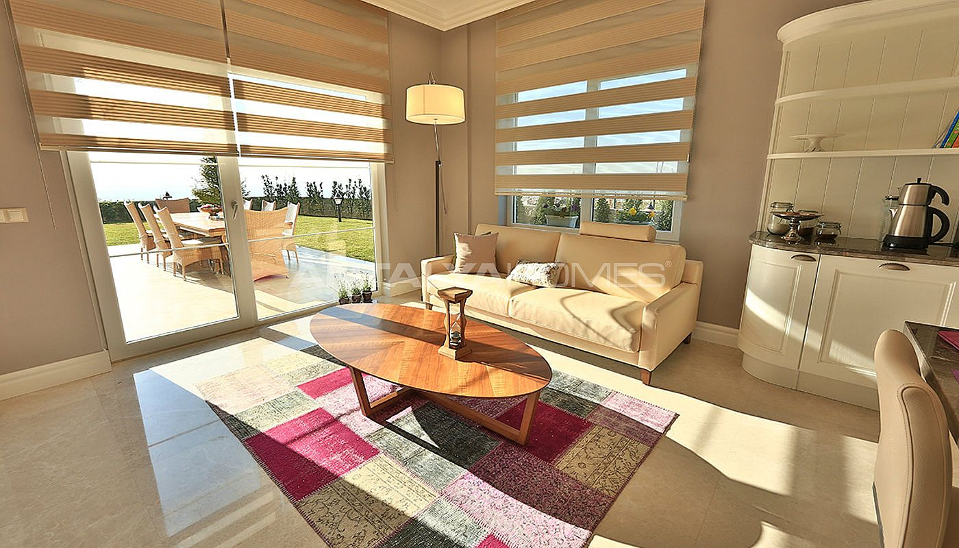 authentic-detached-villas-in-istanbul-with-private-pool-interior-006.jpg